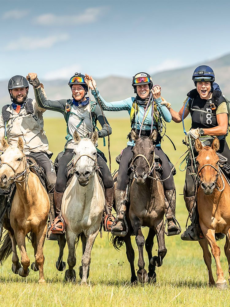 Mongol Derby - Margreet finishes 3rd with 3 other riders